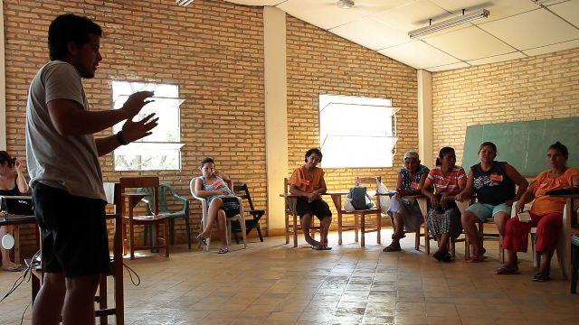 Diagnóstico: El grupo Jetyvyro compartió con los presentes su intención de trabajar conjuntamente en el diagnóstico social comunitario.
