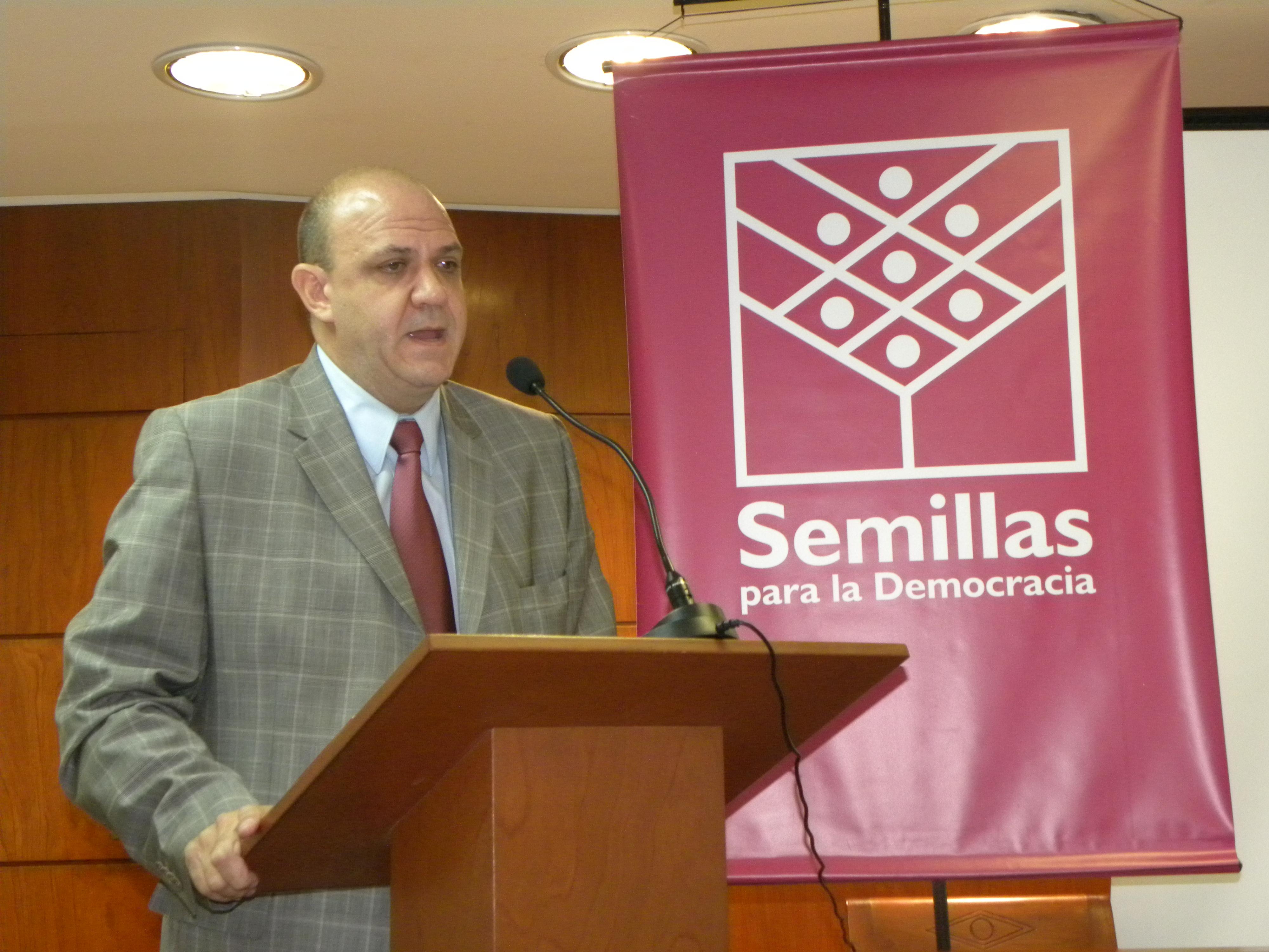 El Prof. José Ignacio González Macchi fue el encargado de desarrollar el taller