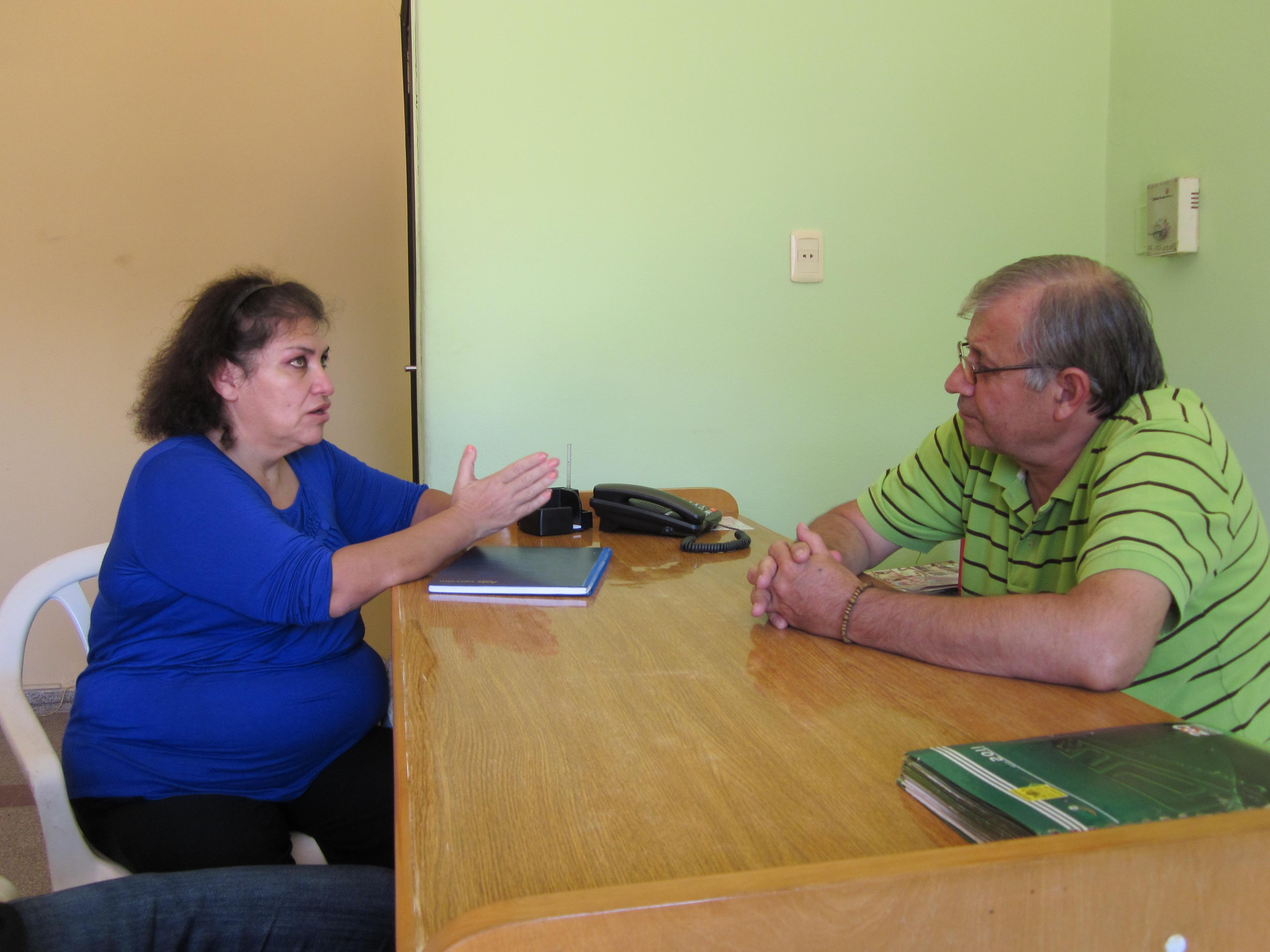(De izqda. a der.) Margarita Araujo de SEMILLAS y Obdulio González de la Municipalidad de Coronel Oviedo