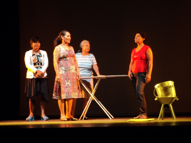 Las mujeres despertaron en la audiencia tanto risas como Reflexiones sobre temas referentes a sus realidades